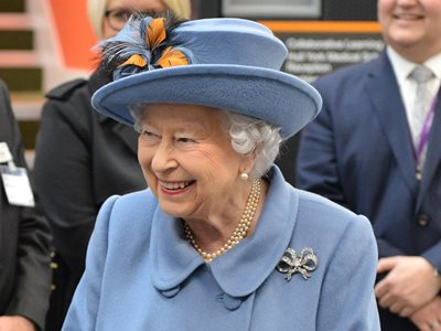 Celebration as Her Majesty opens Allam Medical Building
