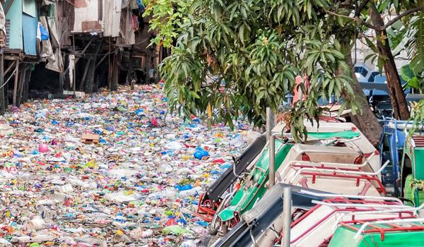plastic-collaboratory-polluted-river