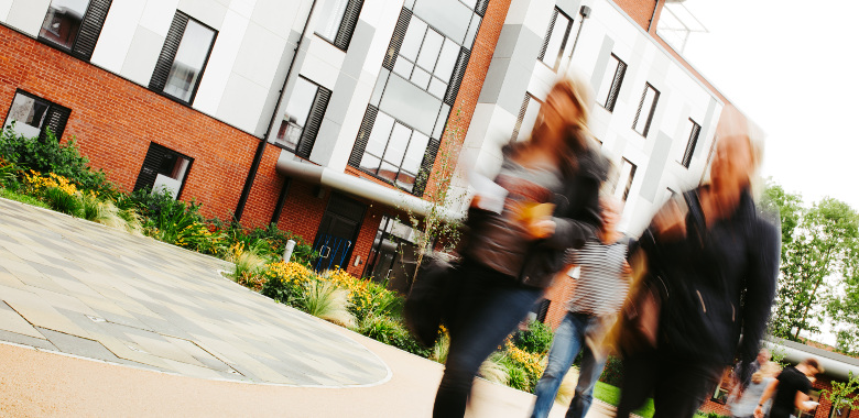 Students arriving at the University of Hull
