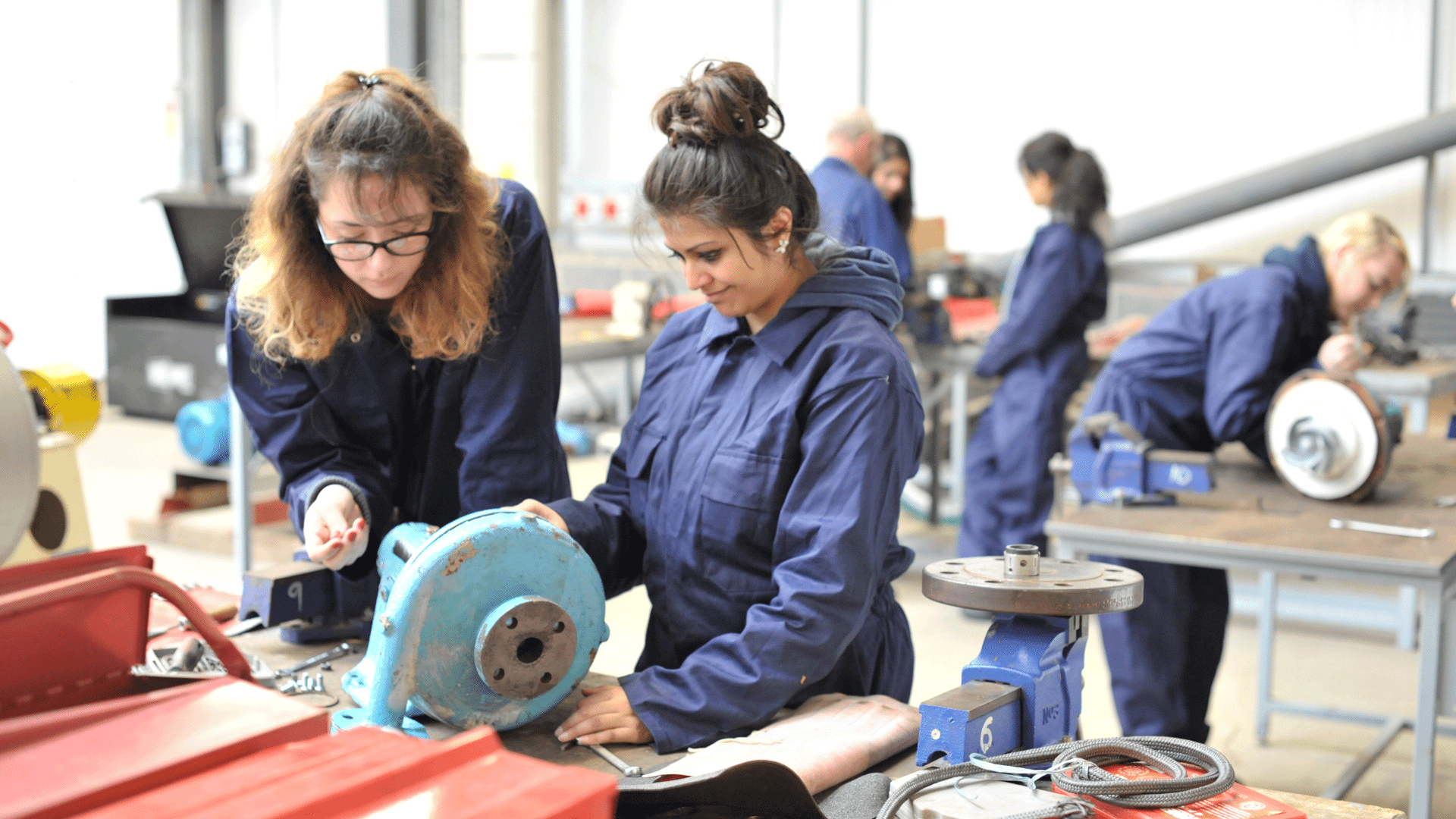 apprenticeships university  hull