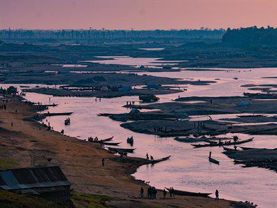 Gravel and sand mining in the Goyain River, a tributary to the Shari River, Meghna River basin, northern Bangladesh. Photo: Jim Best, University of Illinois
