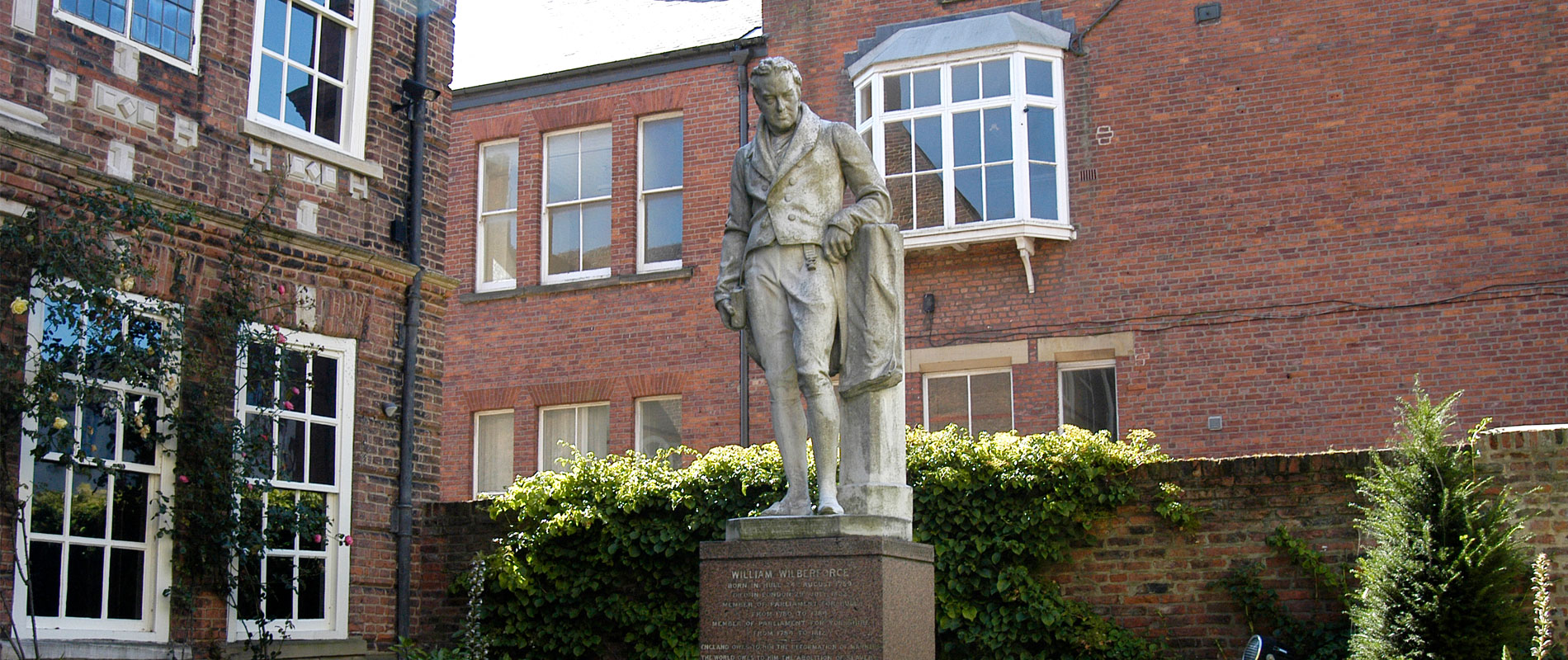 Wilberforce-Statue-01